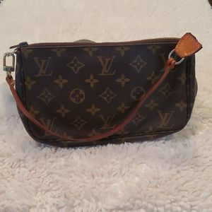 Louis Vuitton Small Monogrammed Handbag (POCHETTE)